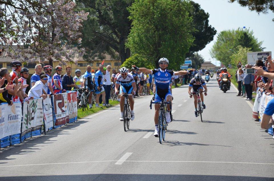 Ciclismo esordienti allievi e cicloamatori che festa al for Doganella di ninfa