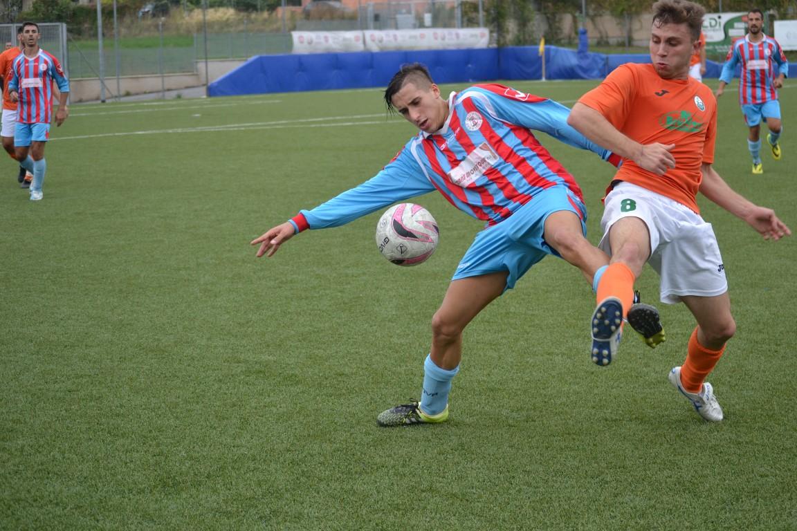 Calcio colle di fuori romei con olevano vittoria for Esterno sinistro forte